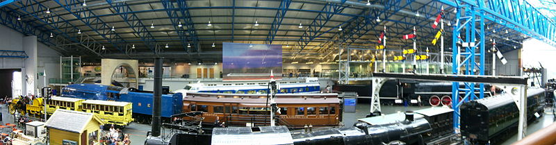 800px-National_Railway_Museum_York_15_March_2009_Great_Hall_panorama_2